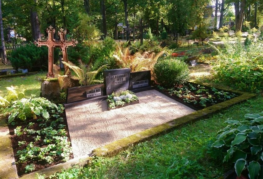 Raadi kalmistu_Mee